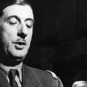IDF : HOMME ressemblant à Charles de Gaulle pour une reconstitution historique