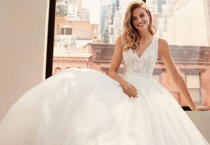 Bonneuil Sur Marne: Modèle féminin pour shooting photo de robes de mariés