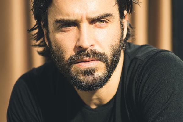 Bougival : Homme, 35/40 ressemblant à Assad Bouab pour une doublure image