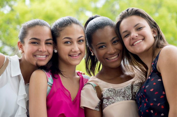 """Paris : Jeunes filles, 12/16 ans pour la saison 1 de la série """"Rebecca"""""""