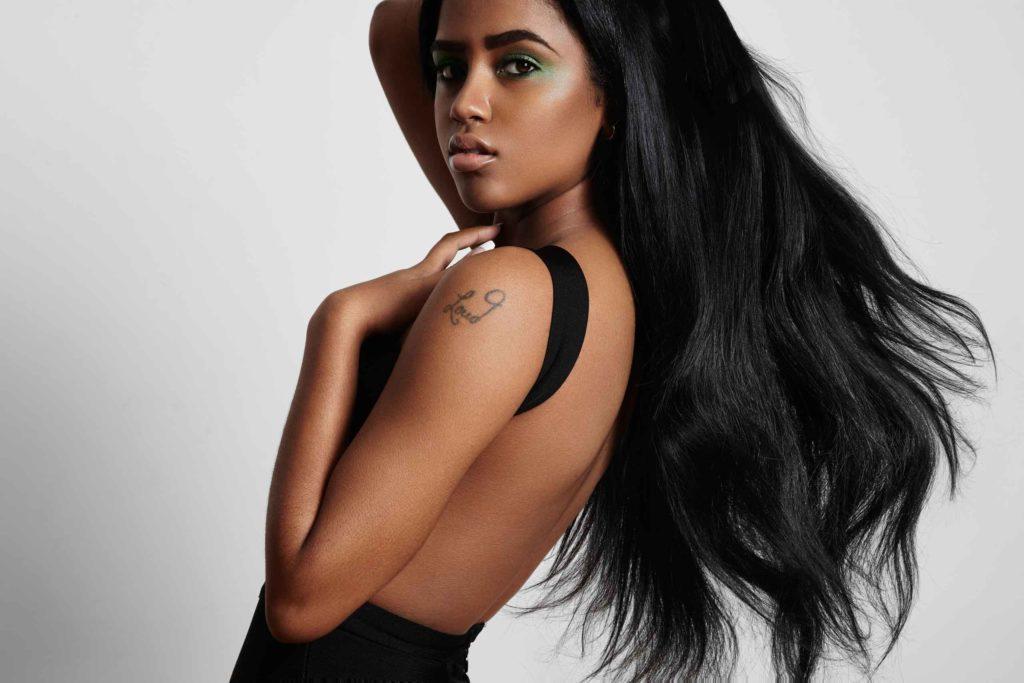 Cannes : Femmes modèles pour lancement d'une nouvelle marque de vêtements