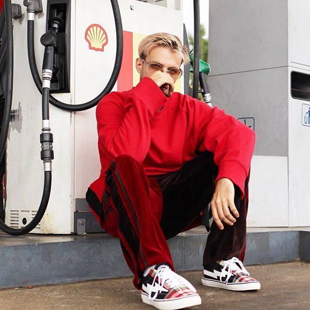 Paris : Hommes, 18/29 ans pour défilé de mode promotionnel