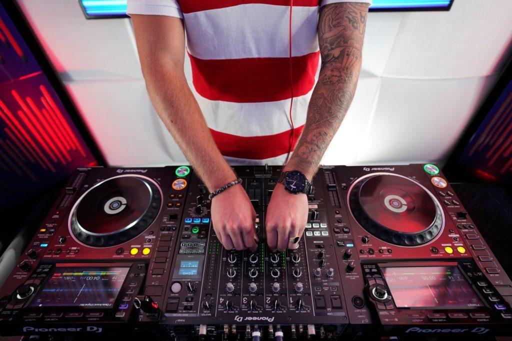 H/F avec expérience de DJ pour une série France 2