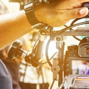 10 FEMMES et HOMMES pour le tournage d'une publicité